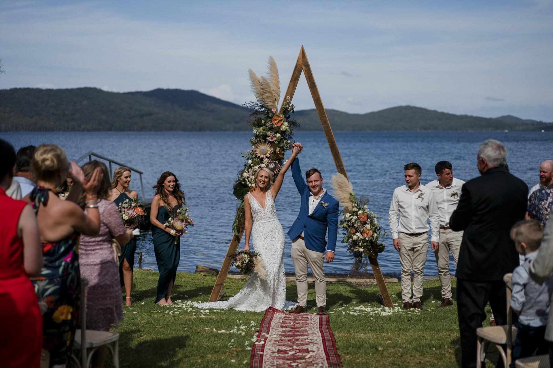TEE-PEE TENT WEDDING – LIZZIE & JOSH
