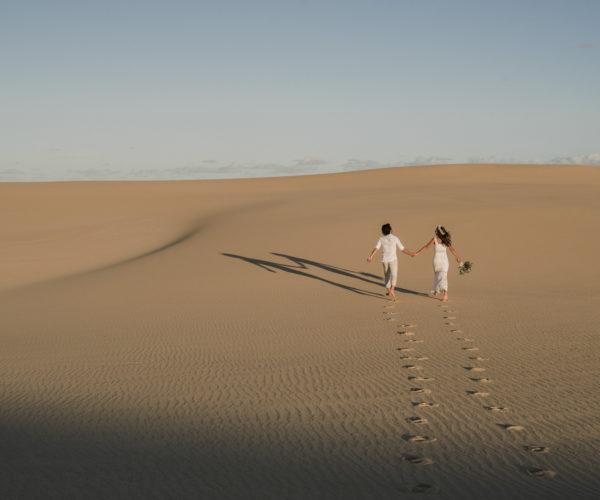 PORT STEPHENS SAND DUNES ELOPEMENT – MARIANA & RODRIGO